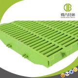 Plancher à lamelles en plastique résistant à la corrosion et facile à nettoyer