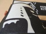 Het zwarte Bierviltje van het Nitril van de Kleur met Aangepaste Grootte en Embleem