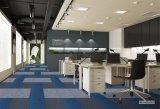 Carreaux de tapis moderne OEM Support polypropylène PP du bitume de surface River Hotel salle de réunion de Bureau Commercial tapis en dalles couleur unie