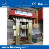 O CNC controla a maquinaria refratária para o tijolo de incêndio Using