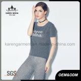 Gerippte runde Ansatz-Kurzschluss-Hülsen-Frauen passten Zeichen gestricktes Hemd an