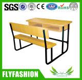 椅子(SF-46D)が付いているコンボの木の学校の机