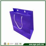 Le luxe de papier Kraft imprimé Shopping personnalisé à l'emballage cadeau transporteur sac de papier pour l'emballage avec des poignées