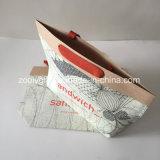 브라운 Kraft 선물 종이 봉지를 포장하는 여자 옷을 인쇄하는 로고
