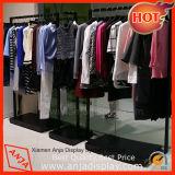 Expositor de suelo de metal para la ropa