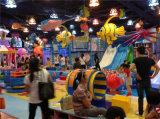 De grappige Dia van de Buis van de Reeks van de Speelplaats van de Boom Binnen