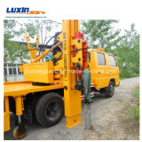 Leitschiene-Installations-LKW installieren Verkehrssicherheit-Sperren mit Pfosten-Hammer