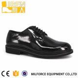 黒い本革の安い価格の速い摩耗の警官の靴