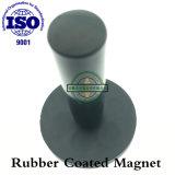 Magnetico rivestito in gomma nera con manico in bachelite, su misura