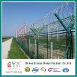 Высокий уровень безопасности изогнул сваренную загородку авиапорта провода бритвы ячеистой сети