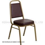 호텔 가구 브라운 비닐과 형 거품을%s 가진 사다리꼴 뒤 겹쳐 쌓이는 연회 의자