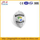 China esmalte personalizado insignia metálica