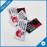 """1 """" ярлык тавра платья высоты красной сложенный стороной для одежды с символом японии"""