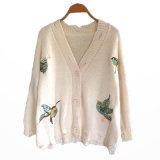 모직 스웨터 여자 Buttfly는 숙녀를 위한 카디건을 디자인한다