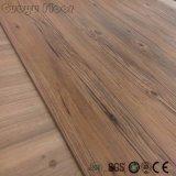 Le grain de bois commercial PVC lâche de planches de jeter un revêtement de sol en vinyle de luxe