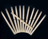 それぞれ包まれた買物の箸のタケの箸