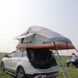 fuori dalla tenda molle della parte superiore del tetto di Tralier del campeggiatore della strada 4X4