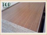 1220*2440 (4*8) peuplier de 6/9/12/15/18mm/eucalyptus/cendre faisceau de Combi/placage Blockboard noix noire pour des meubles