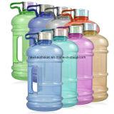 Бутылка питьевой воды с ручкой