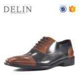 Chaussures en cuir de couleur différente des hommes chaussures de mode