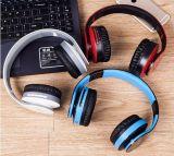 Sport senza fili di musica di Bluetooth che eseguono la cuffia ritrattabile del gioco di computer