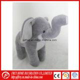 Les enfants d'animaux en peluche Jouet de l'Afrique éléphant