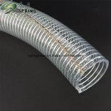 En PVC flexible clair du fil en acier renforcé