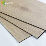La meilleure tuile en bois de vente de PVC de couleur foncée de configuration de plancher commercial