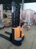 2017 новый штабелеукладчик типа 1600kg электрический с заряжателем батареи