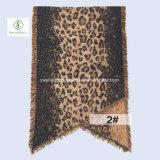 Шаль отдыха шарфа женщин способа зимы Европ напечатанная леопардом вкосую