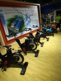 Novo Design Fitness Spinning Bike Fitness Club Use Manual bicicleta de exercício com corpo / Contador de Bike