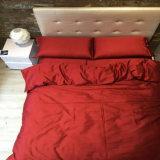 Elegante cama de hotel en microfibra Color puro Conjunto de hojas