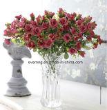 Le rose di seta dei fiori artificiali comerciano i fiori all'ingrosso falsi dei fiori per la cerimonia nuziale e la decorazione domestica