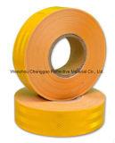 De gele Hoge Weerspiegelende Band van het Voertuig van het Zicht in Grootte 10cm Breedte