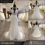 袖なしの花嫁の形式的なガウンのV首のレースのウェディングドレス