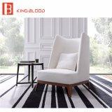 Moderne Hochzeits-weiße Leinengewebe-Polsterung-stellt hölzerner Freizeit-Sofa-Stuhl Abbildung ein
