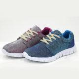 Ботинки спорта оптовых людей способа сетки обуви мягких удобных вскользь