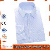 Camisa de alineada formal azul clara del asunto de los hombres del algodón 100%