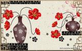 Las flores rojas hermosas en el florero impermeabilizan de cartón corrugado para la decoración del sitio de estudio