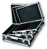 Wij de Dozen van het Aluminium van de Douane met 3 PCs worden geplaatst die