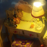 Dollhouse de madeira encantador do brinquedo de China DIY