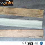 Les carrelages de vinyle de PVC/Lvt /Glue arrière sec couvre de tuiles vers le bas des planches