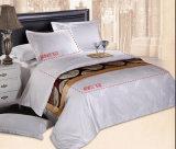 Stellt Baumwollweiße Bettwäsche 100% Jacquardwebstuhl-Gewebe ein