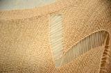 女性の特大壊された網のBatwingの袖のポンチョ
