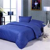 Conjuntos azul marino de las colecciones del lecho del hotel de la raya barata del algodón