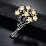レトロの女性の真珠のラインストーンの花の方法宝石類のブローチ
