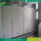 12mm HPL делают туалет водостотьким и поливают кабины