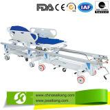 Carrinho de transporte do paciente para a sala cirúrgica