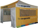 L'exposition se pliante portative extérieure faite sur commande sautent vers le haut la tente