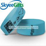 La fabbrica direttamente vende i braccialetti larghi su ordinazione dell'elastico di Printied